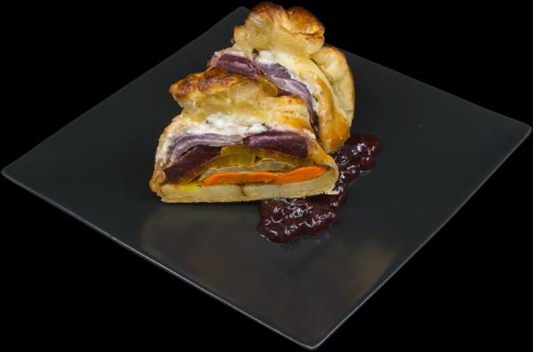 Roasted_Root_Vegetable_Wellington_With_Beets_Parsnip_Carrots_Potatoes_And_Fennel1