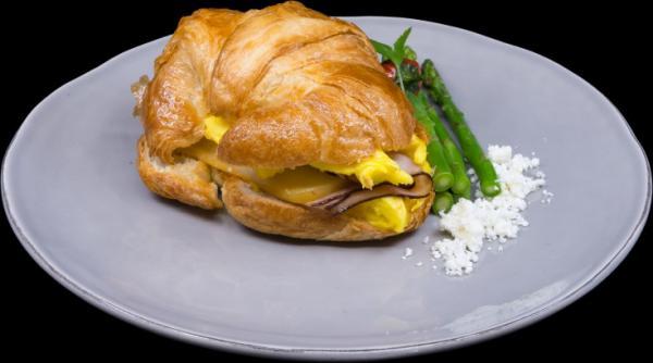 croissant breakfast sandwich1