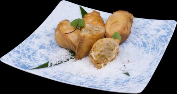 pineapple raisin coconut empanada1